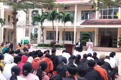 Đổi mới hình thức sinh hoạt chào cờ đầu tuần tại trường THPT Lắk